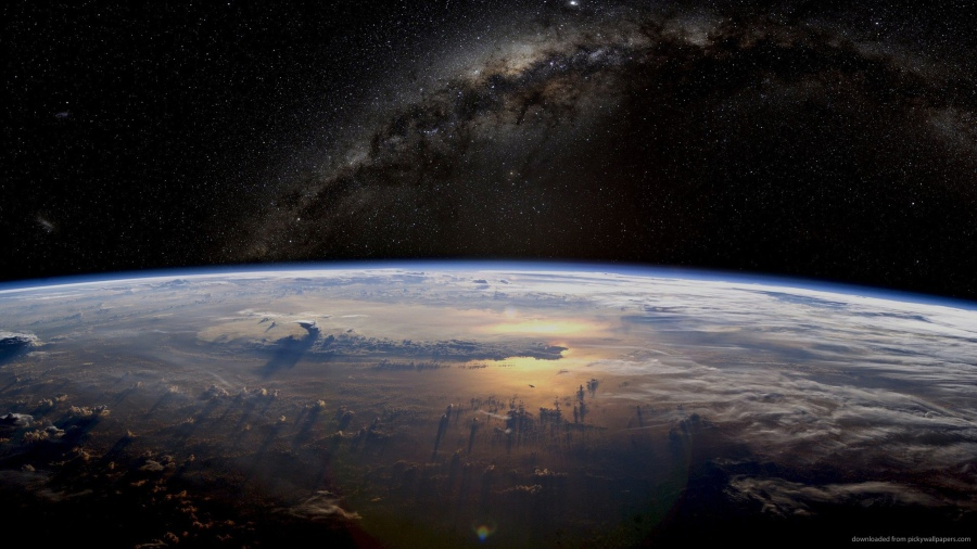 massive-cloud-fronts-visible-from-space